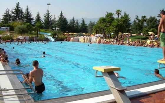 Piscina centro sportivo alba marina valdengo for Centro sportivo le piscine