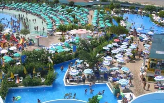 Parco acquatico aqua fans praia a mare - Rimini terme orari piscina ...