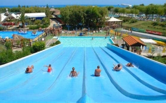 Nuotare in piscina in abruzzo - Piscina montorio al vomano ...
