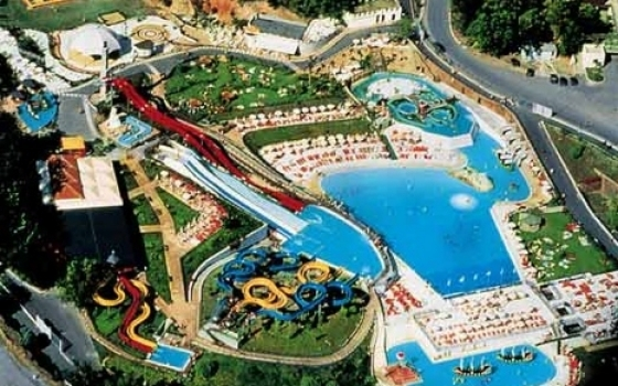 Parco acquatico le caravelle for Caravelle piscine