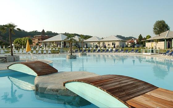 Nuotare In Piscina In Piemonte