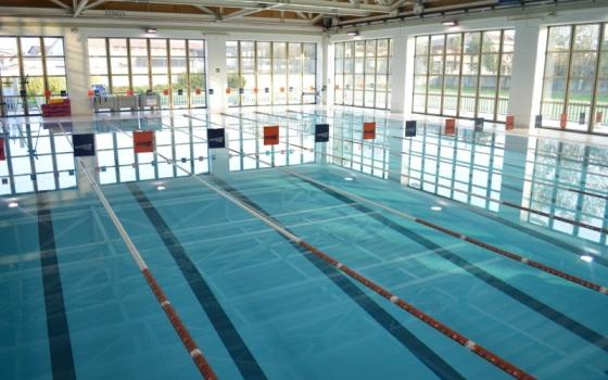 Nuotare in piscina in lombardia - Alzano lombardo piscina ...