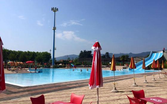 Nuotare in piscina in veneto - Piscina comunale livorno corsi acquagym ...