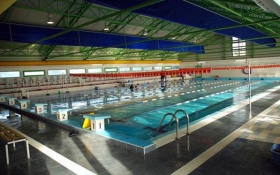 Nuotare in piscina in sardegna - Piscina comunale arese ...