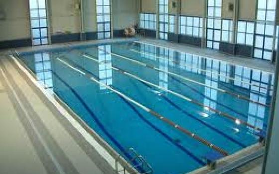 Nuotare in piscina in provincia di potenza - Del taglia piscine chiude ...