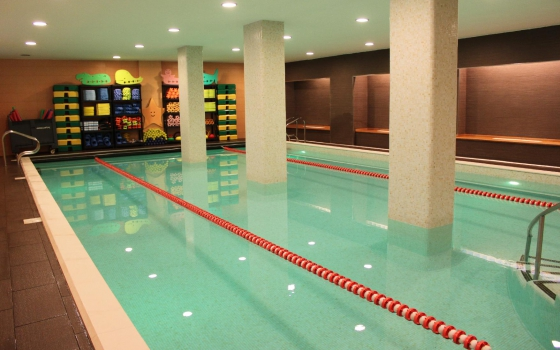 Nuotare in piscina in puglia for Piscina wspace bari