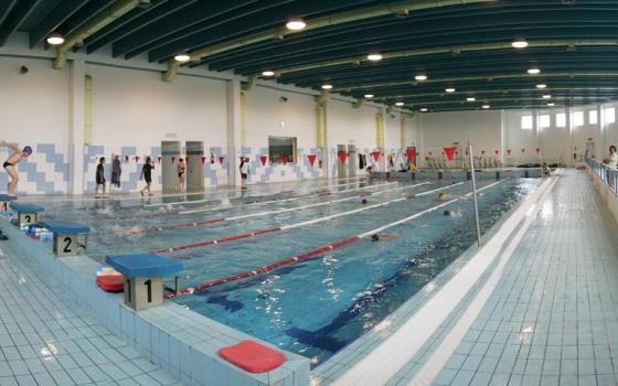 Nuotare in piscina in puglia - Piscina mediterraneo taranto ...