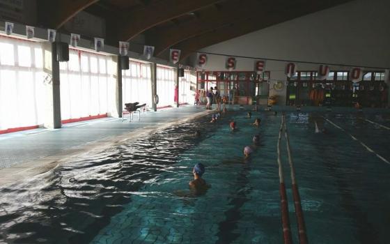 Nuotare in piscina in veneto - Piscina porto viro ...