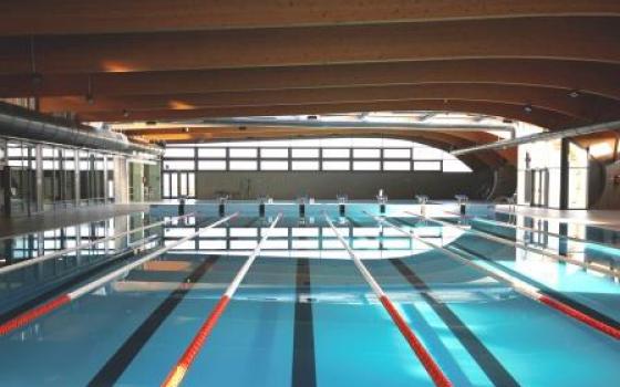 Nuotare in piscina in emilia romagna - Piscina seven savignano ...