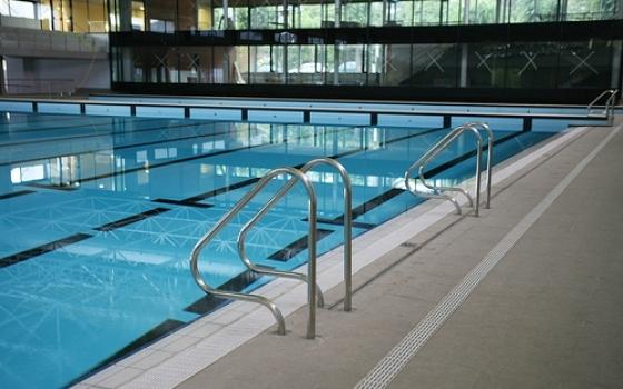 Nuotare in piscina in emilia romagna - Piscina farnesiana piacenza ...