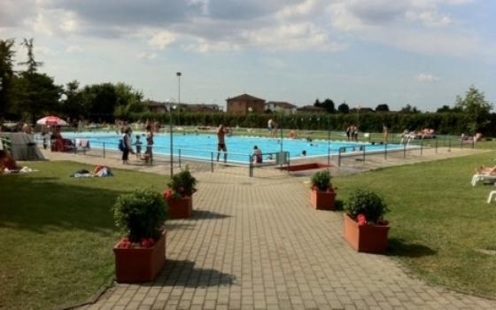 Nuotare in piscina in emilia romagna - Piscina di codigoro ...